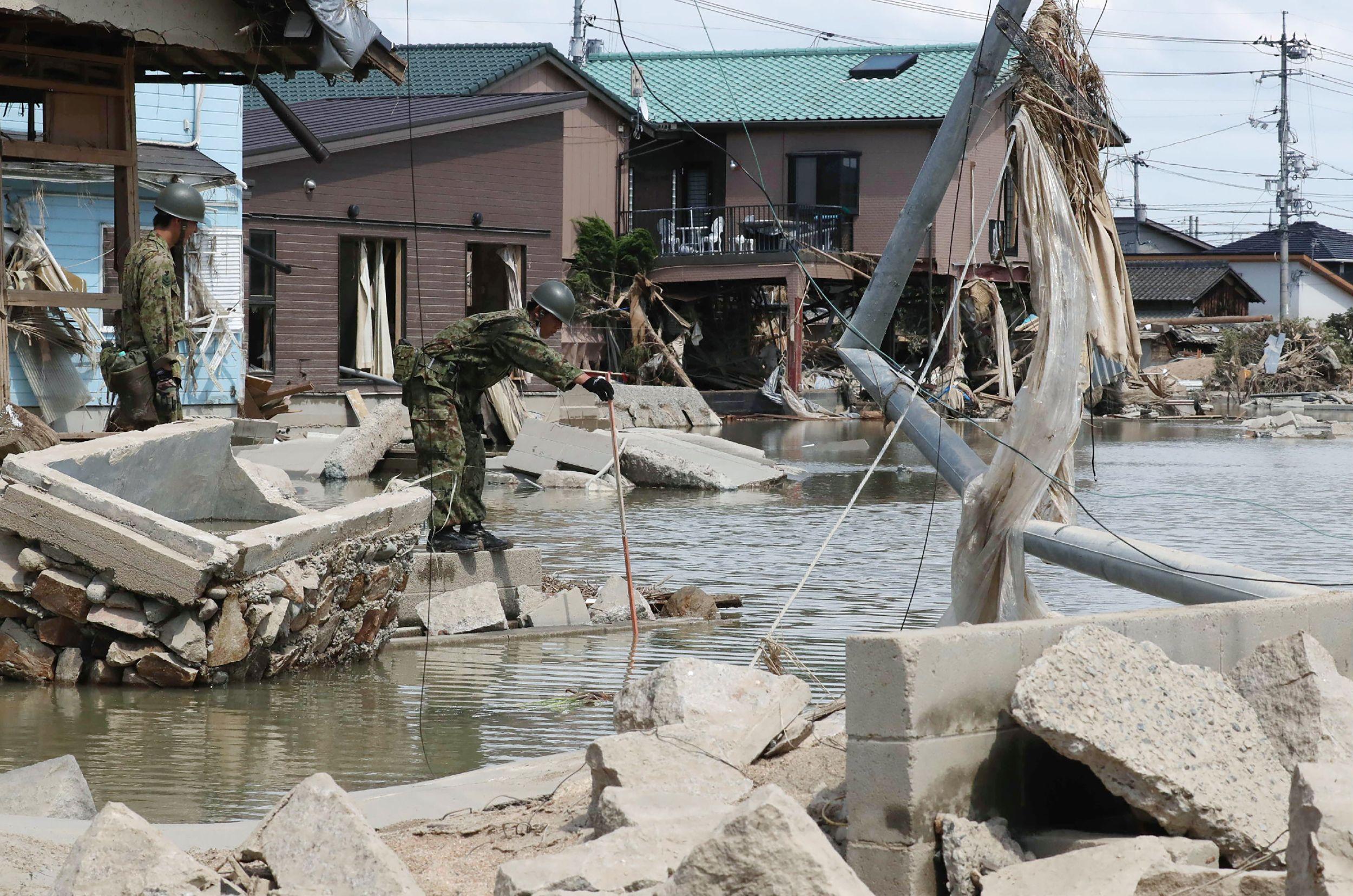 تدخل الجيش لإنقاذ السكان فى اليابان