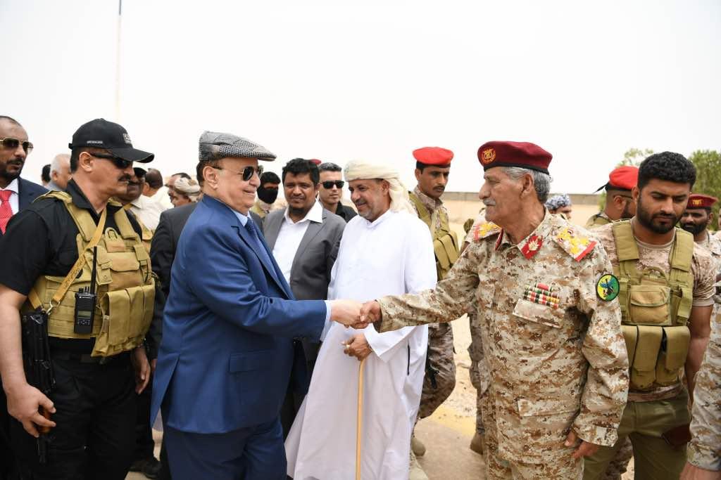 رئيس اليمن يصل المهرة لإطلاق مشروعات إعادة الإعمار بدعم من السعودية (4)