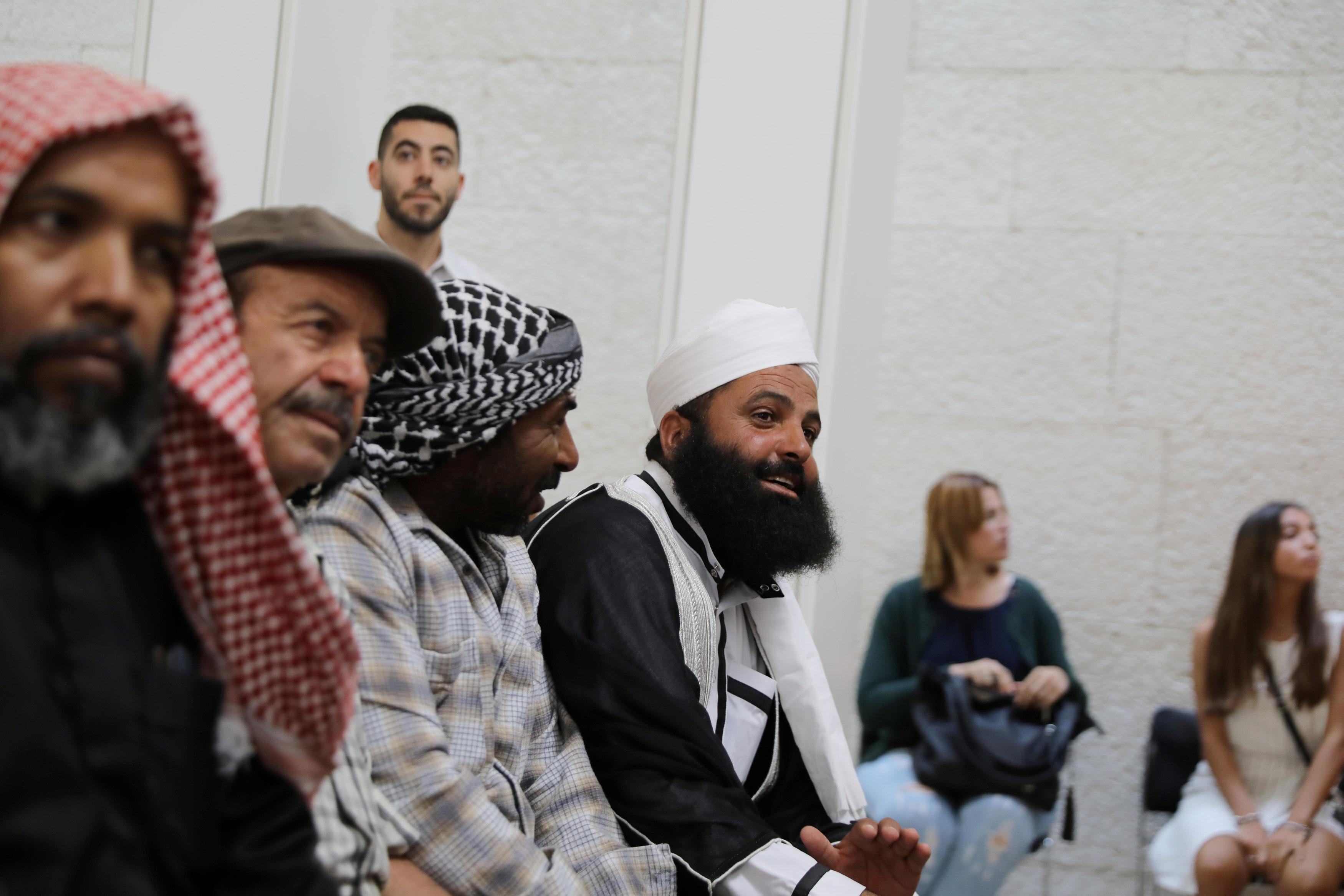 فلسطينيون بانتظار قرار المحكمة