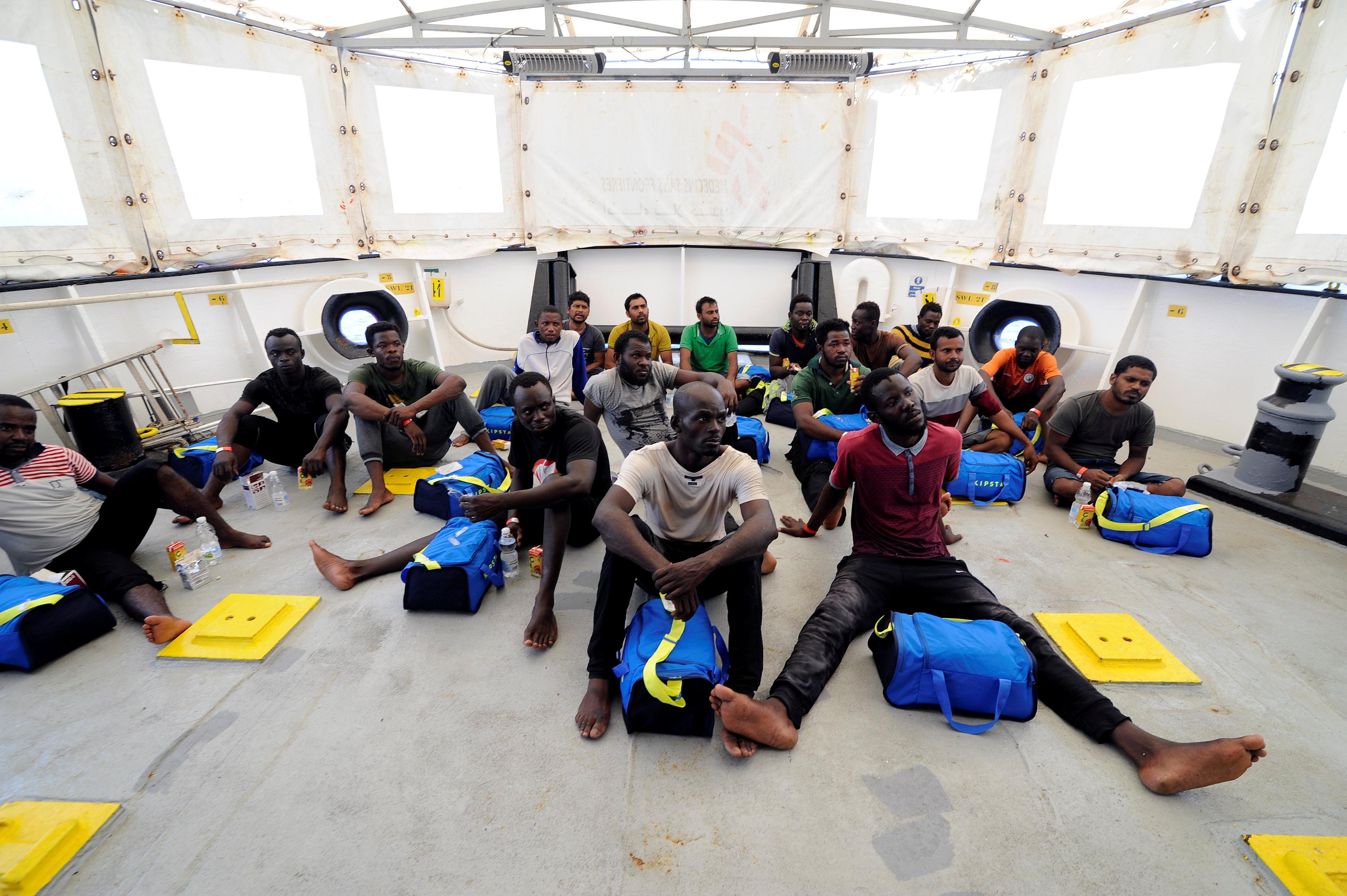 إنقاذ عدد كبير من المهاجرين الأفارقة