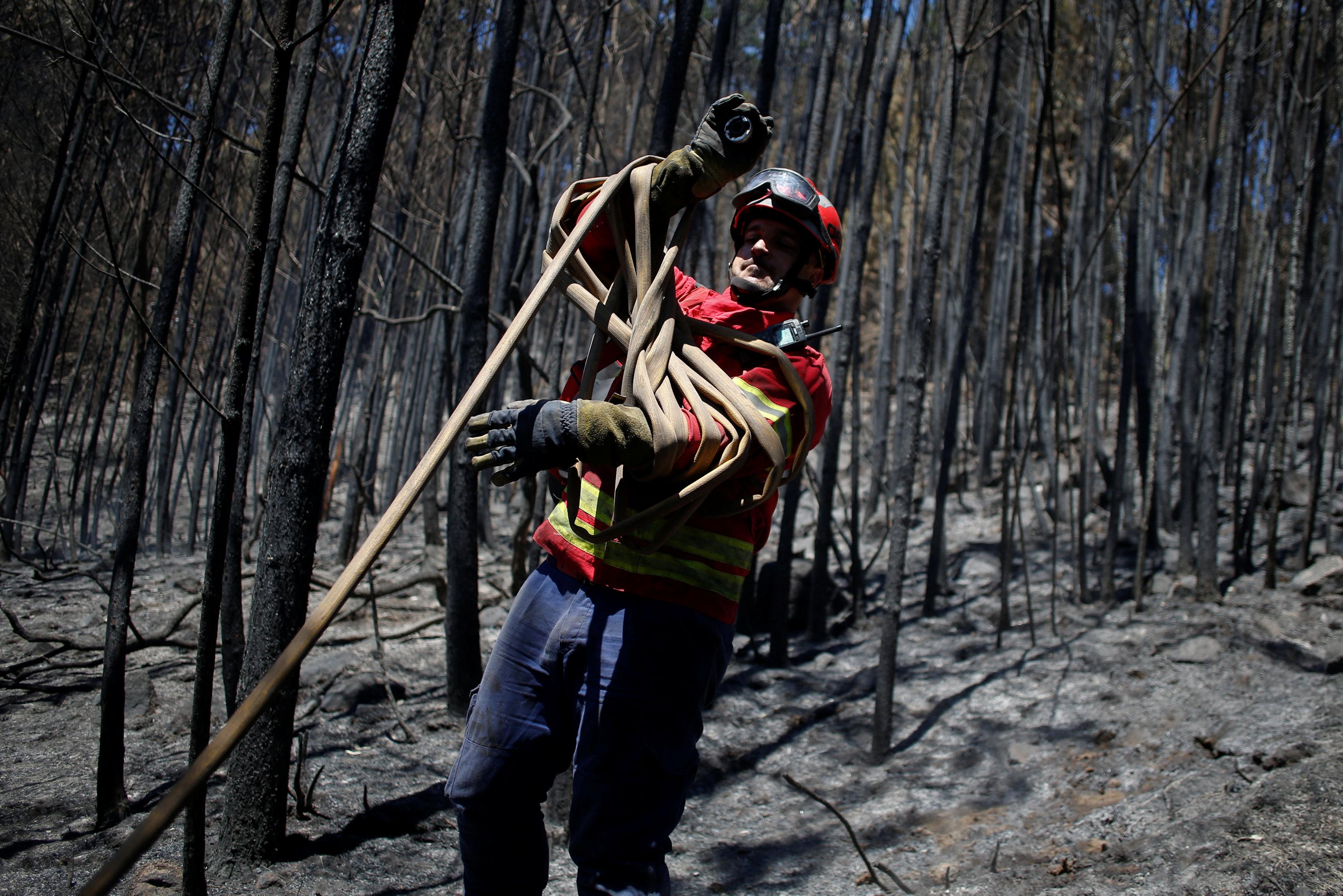 أحد رجال الإطفاء