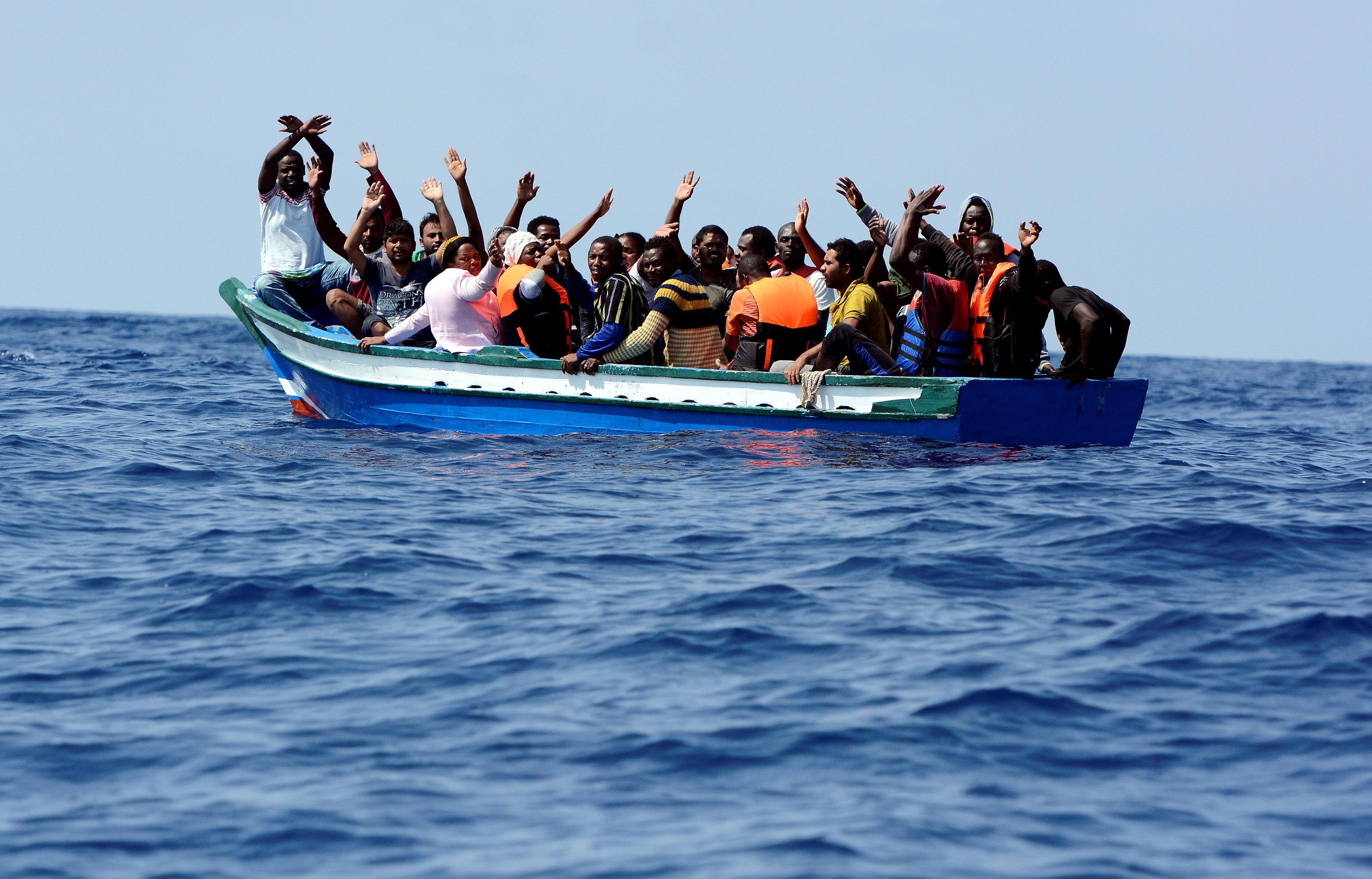 المهاجرون فى عرض البحر المتوسط