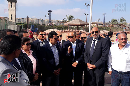 وزير-الرياضة-يتفقد-نادى-الجياد-بالإسكندرية-(4)