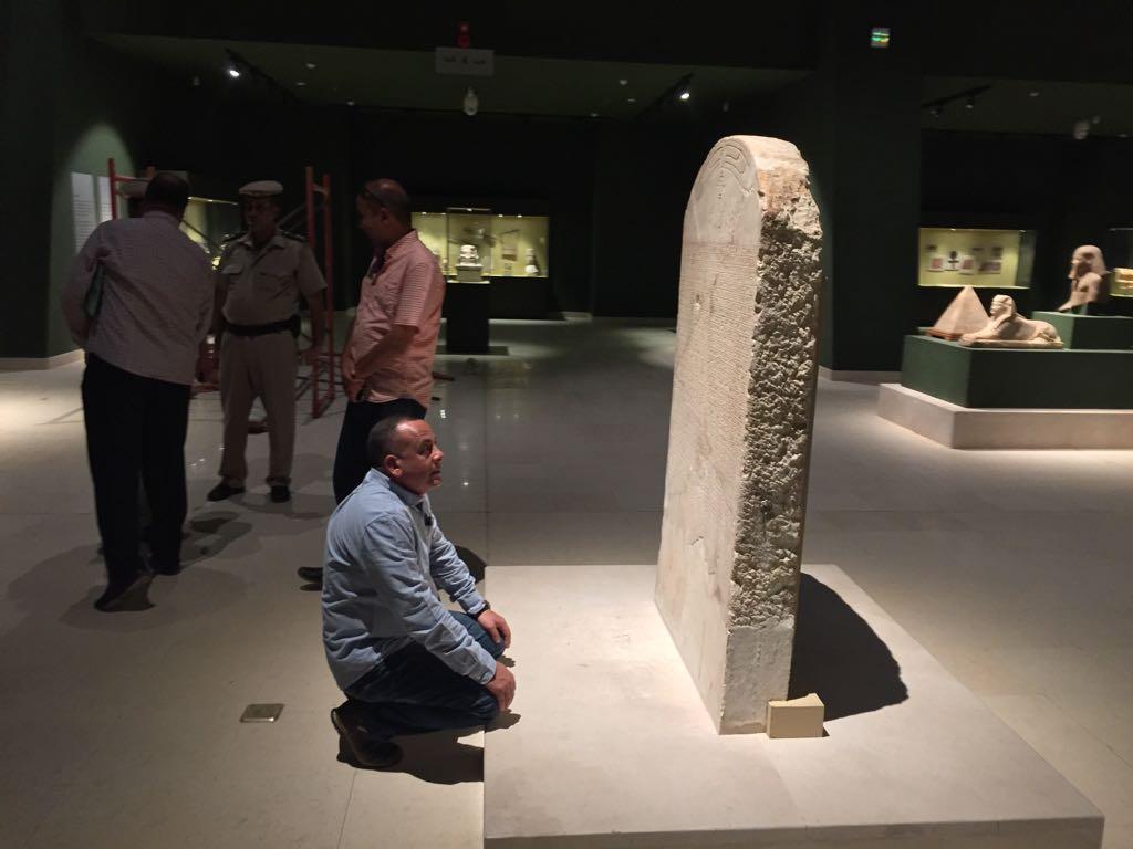 وزير الآثار يتابع أعمال متحف سوهاج لقرب افتتاحه (7)