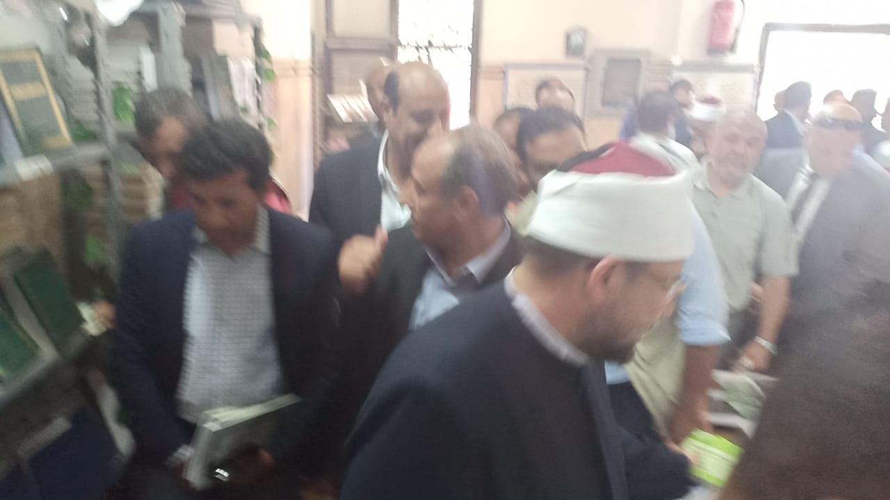 وزير الاوقاف والشباب والرياضة يفتتحان معرض الشئون الإسلامية بالإسكندرية (22)