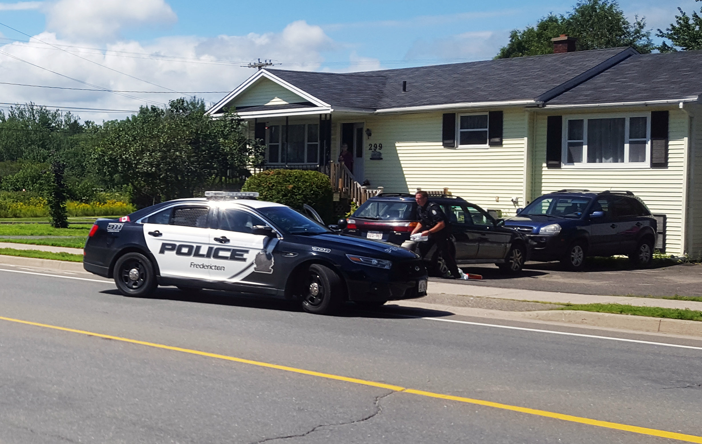الشرطة الكندية تنتشر فى شوارع مدينة فريدريكتون