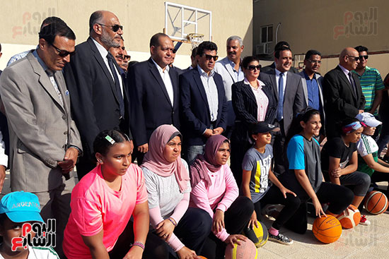وزير-الرياضة-يتفقد-نادى-الجياد-بالإسكندرية-(5)