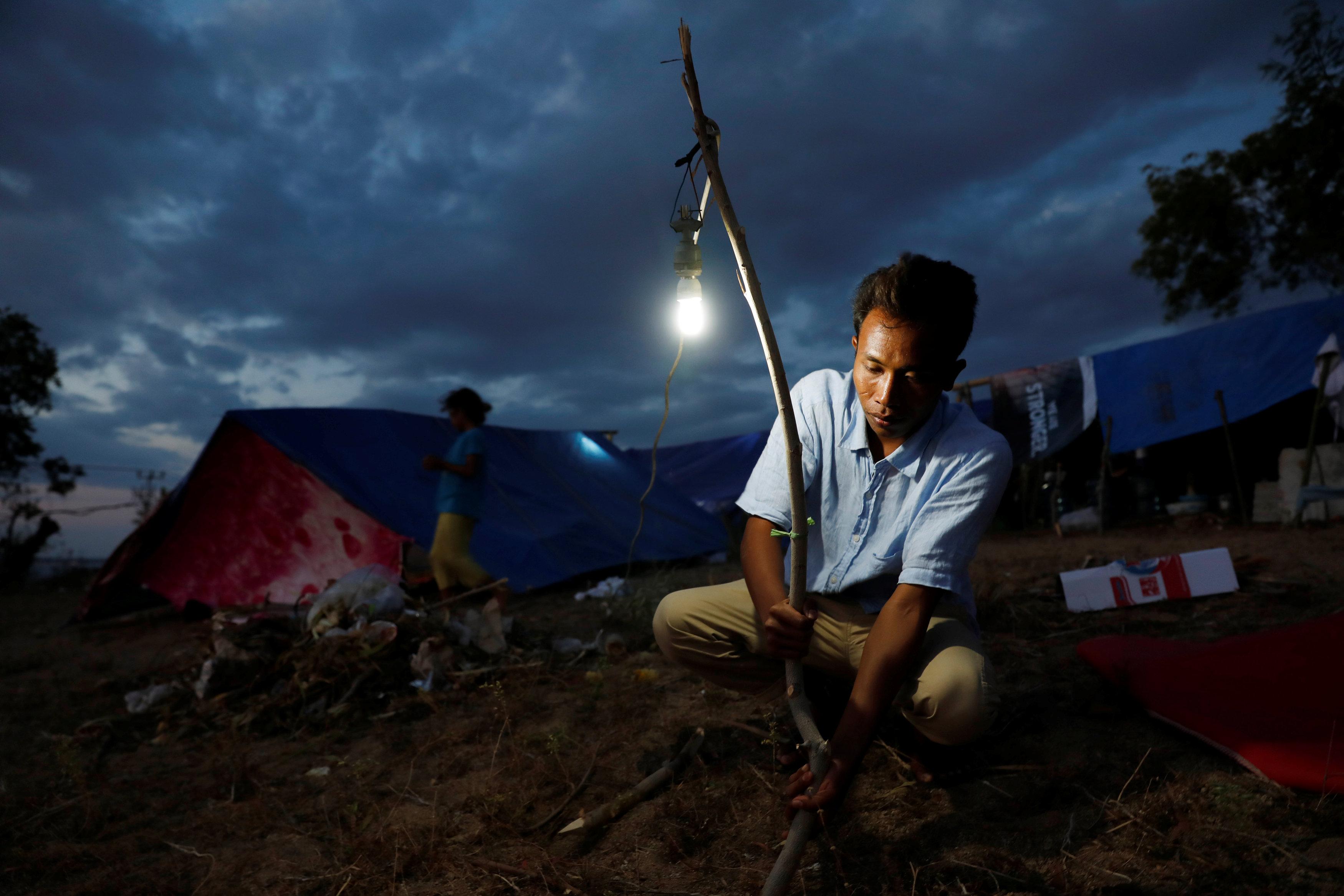 قلق القرويون من الزلزال المدمر والتسونامى