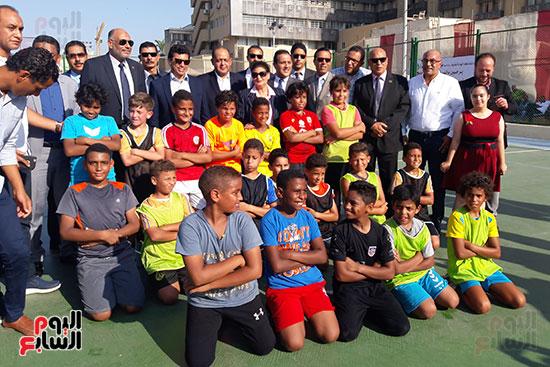 وزير-الرياضة-يتفقد-نادى-الجياد-بالإسكندرية-(1)