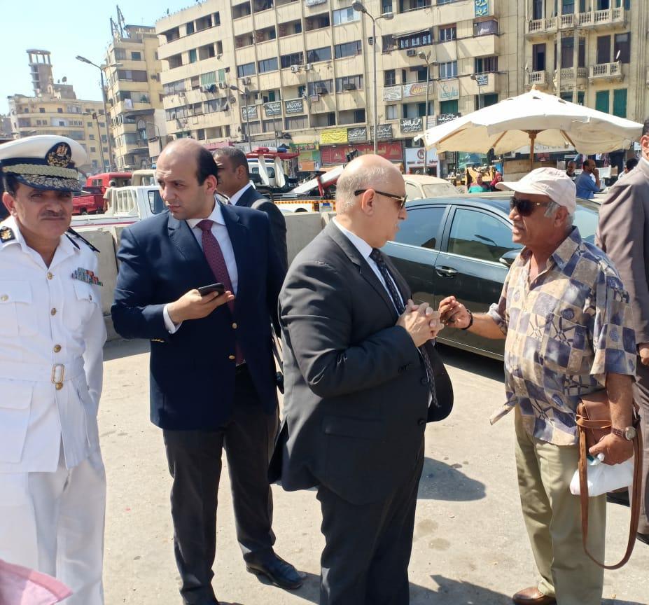 رفع الحواجز الخرسانية بمحيط قسم شرطة السيدة زينب لتحقيق السيولة المرورية (4)