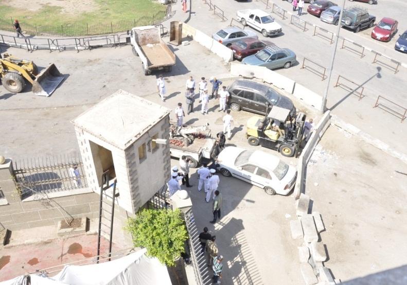 رفع الحواجز الخرسانية بمحيط قسم شرطة السيدة زينب لتحقيق السيولة المرورية (3)