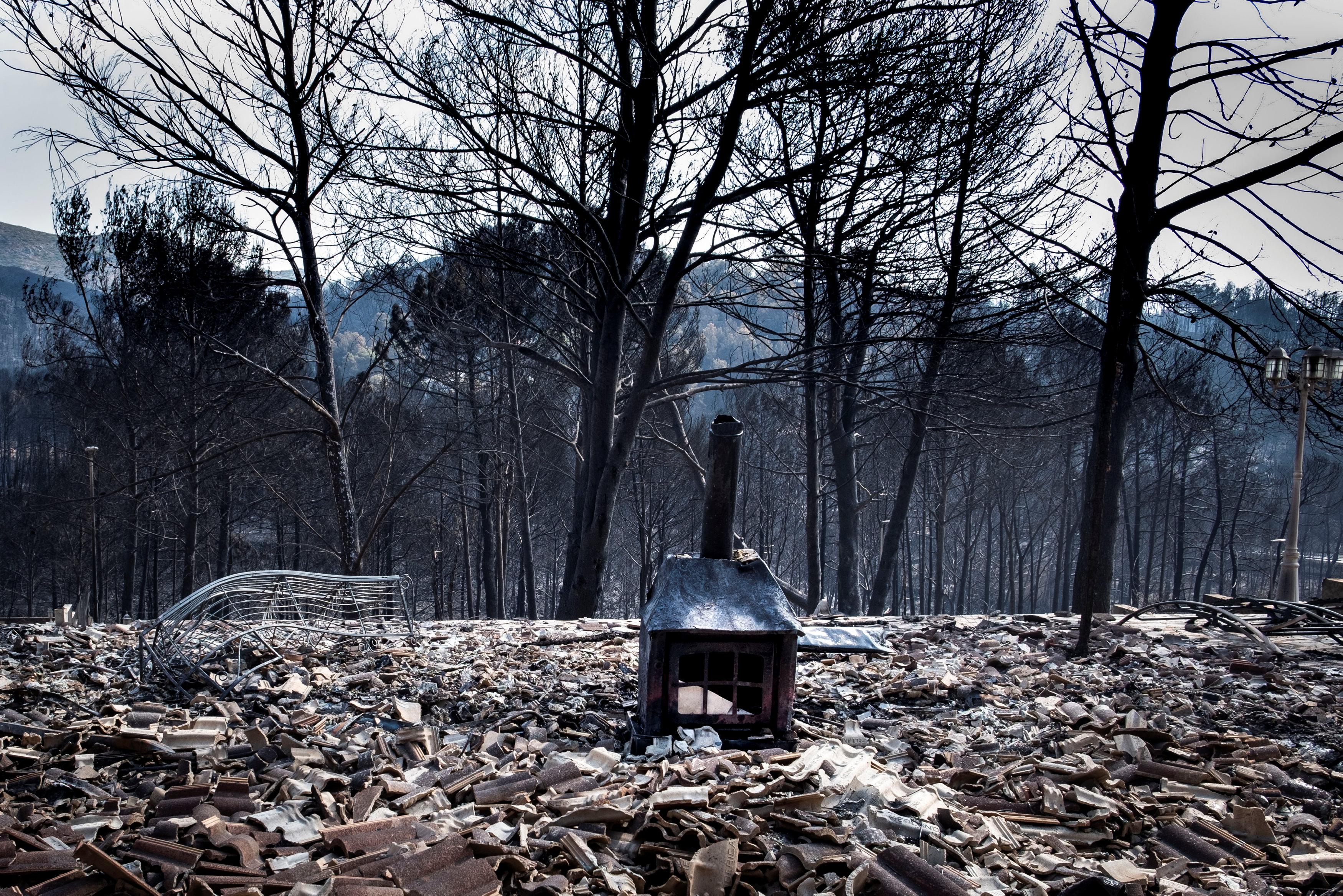 الحرائق تدمر غابات فى اسبانيا