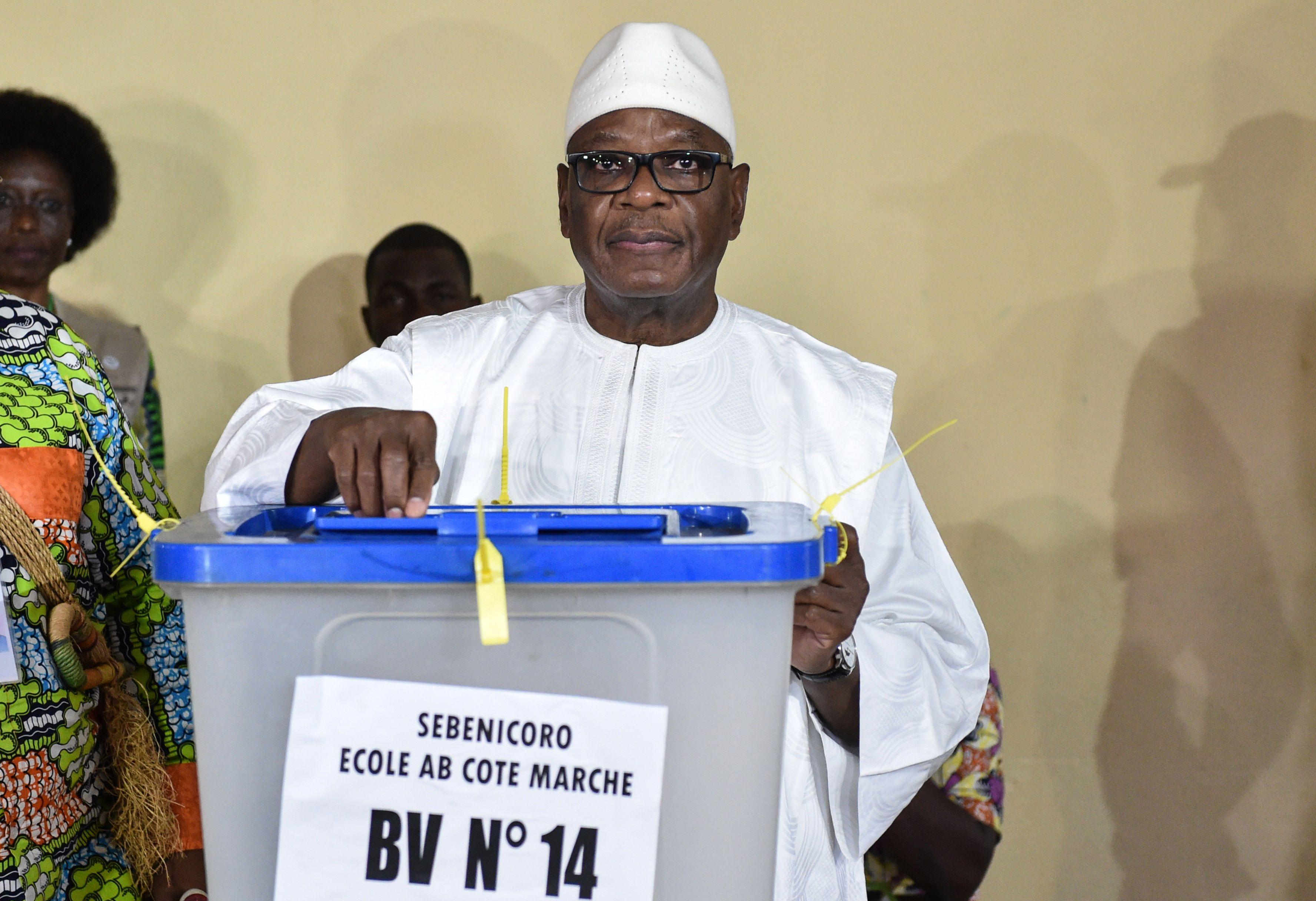 رئيس مالى يدلى بصوته فى الانتخابات