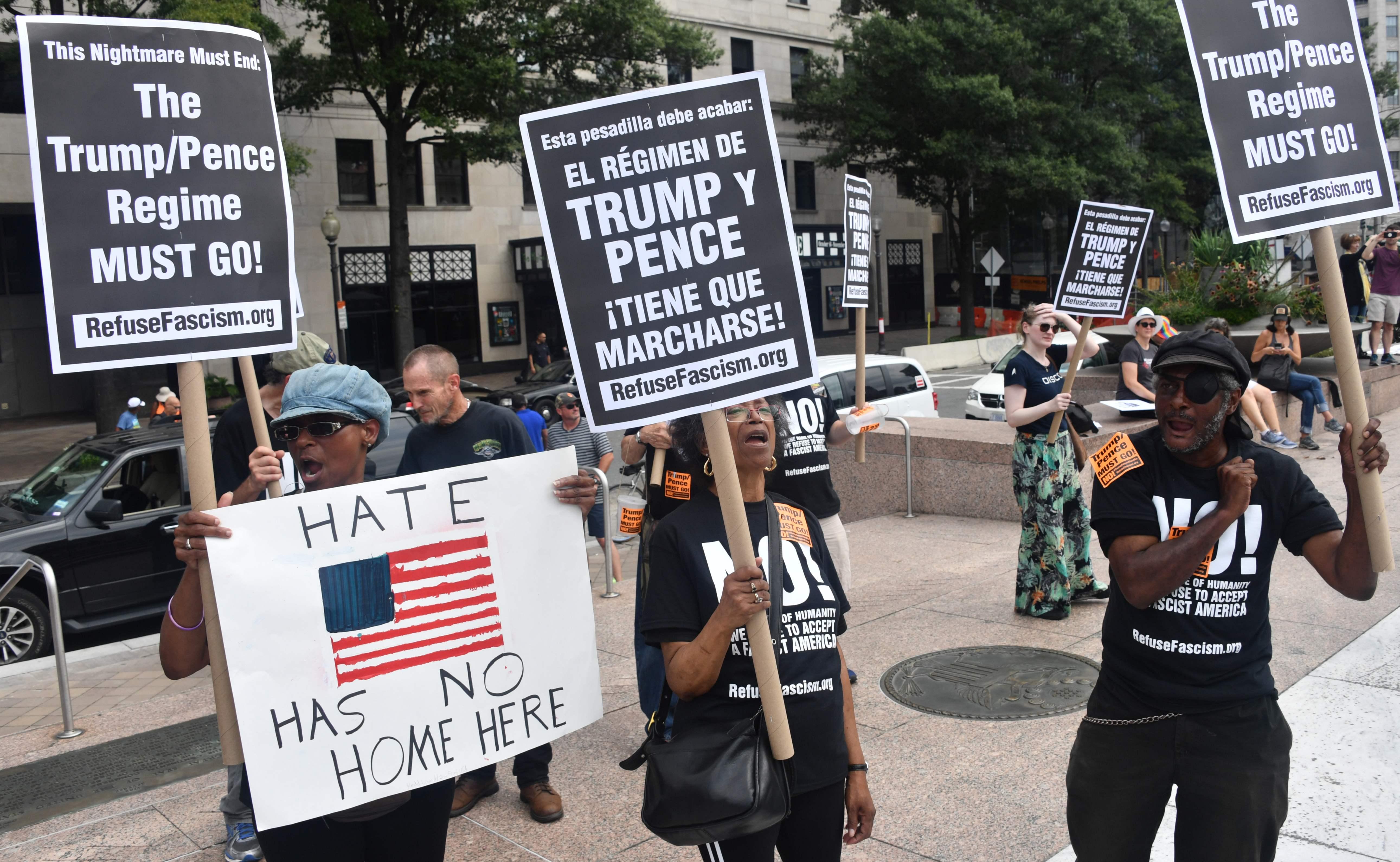 مظاهرات القوميون فى أمريكا