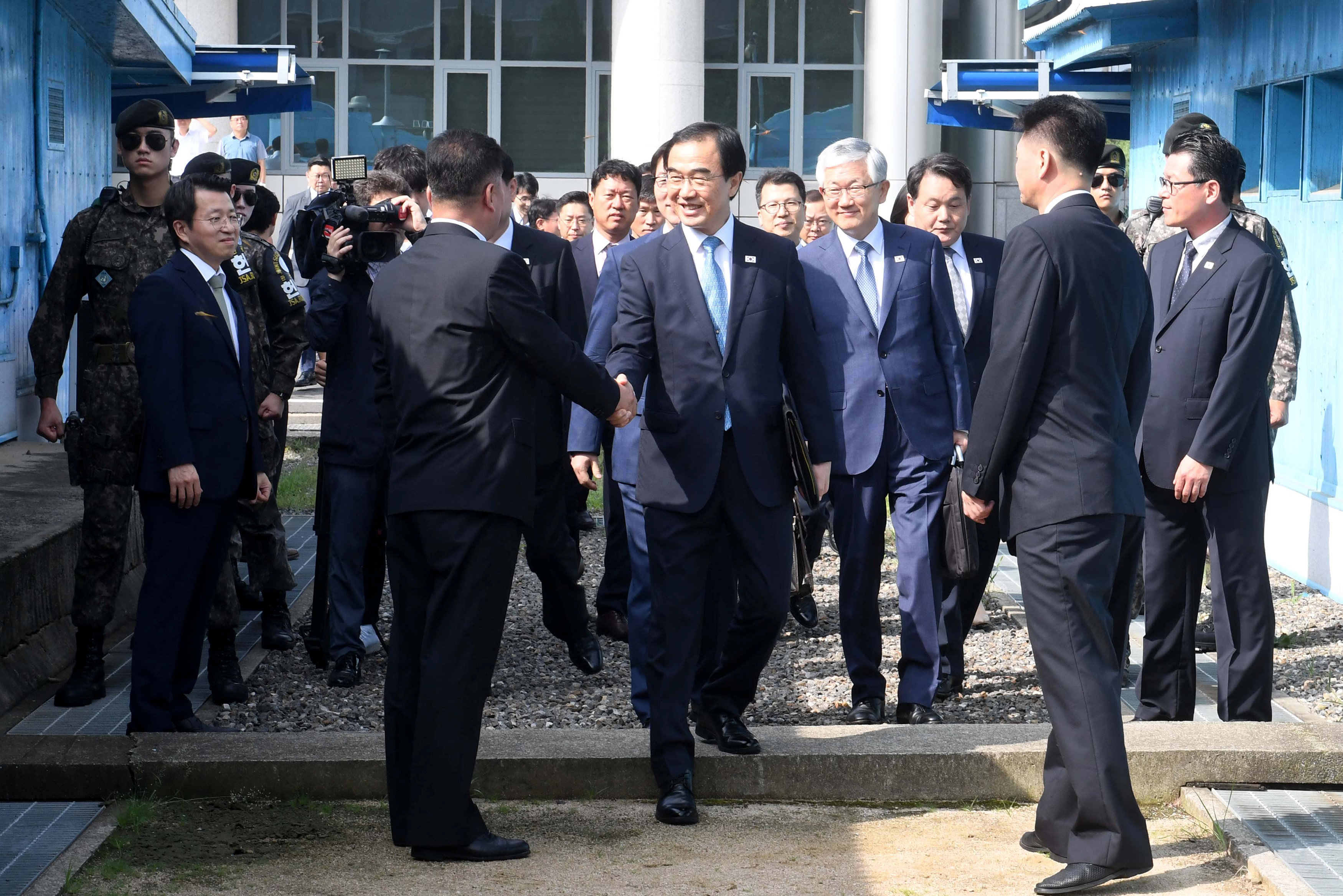 المباحثات بين الكوريتين