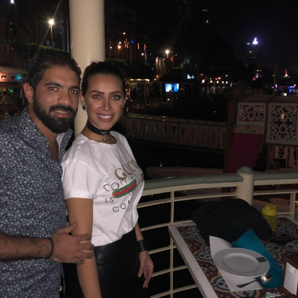 هبة عبد العزيز وزوجها محمد فودة (2)