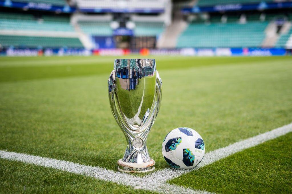 كأس السوبر الأوروبى وكرة المباراة