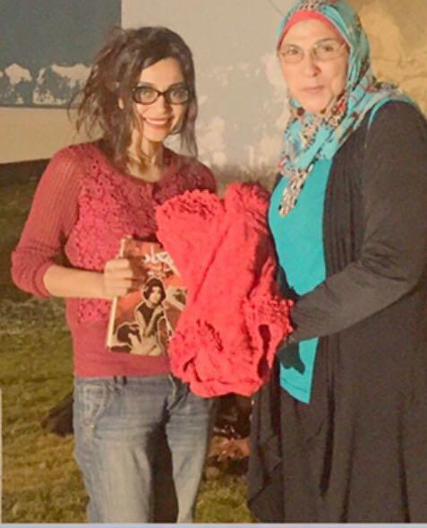 الفنانة رانيا شاهين تمتلك مايوة سعاد حسني وتهديها لها جانجاه شقيقة السندريلا