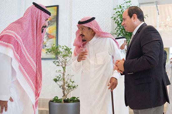 السيسي خلال استقباله من الملك سلمان1