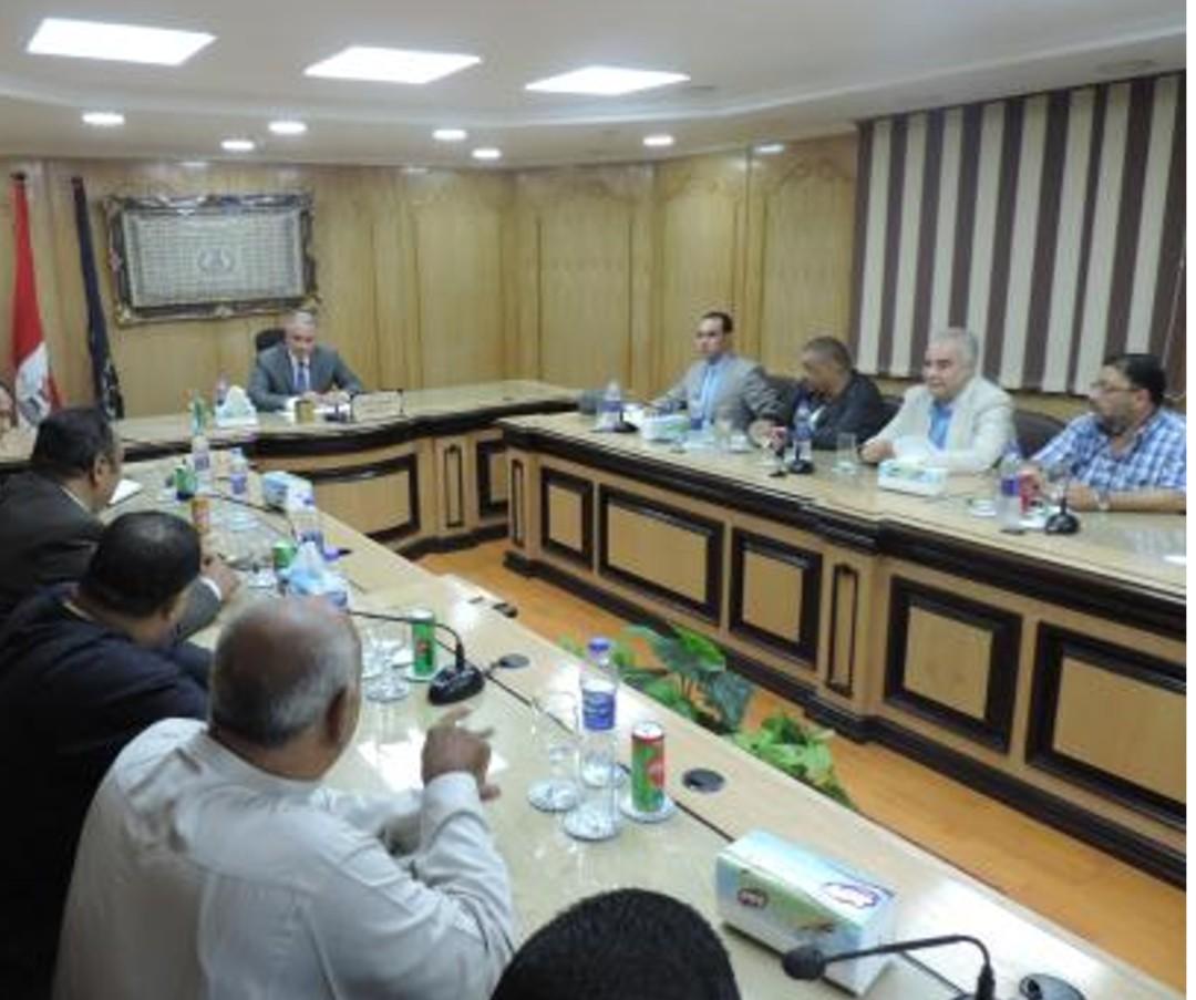 قيادات وزارة الداخلية تعقد لقاءات مع التجار (1)