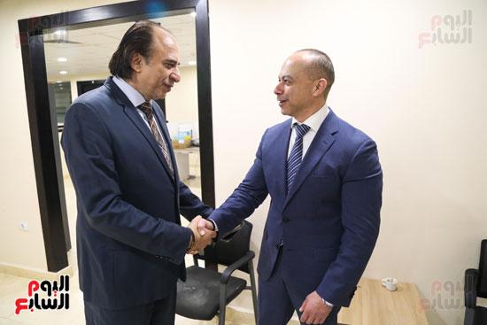 صورة تذكارية مع رئيس مجلس إدارة إعلام المصريين