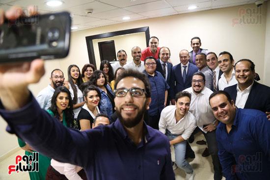 سيلفى جماعى مع تامر مرسى وخالد جلال