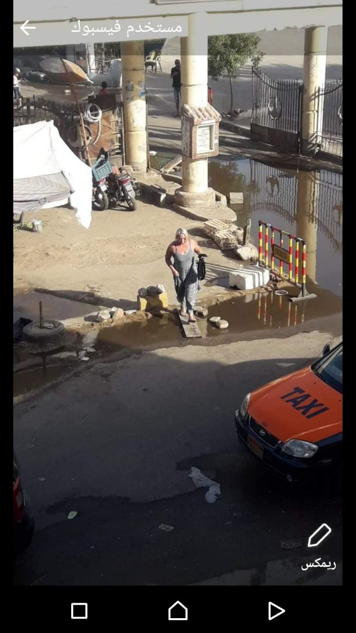 غرق شوارع الغردقة فى مياه الصرف الصحى (3)
