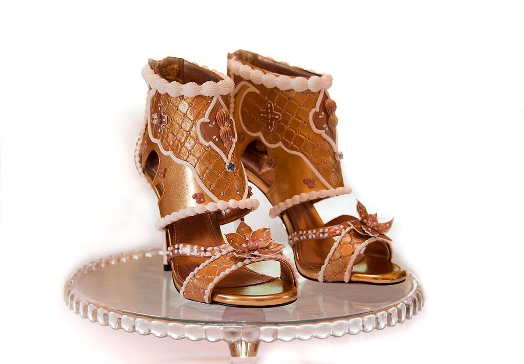 39248b3046ee2 ... وقطع من الألماس غالى الثمن، وهو ما جعل أغلى حذاء فيهم يصل سعره لـ15.1  مليون دولار، فلتعرفى فى السطور التالية على أغلى 10 أحذية نسائية فى العالم  فى 2018، ...