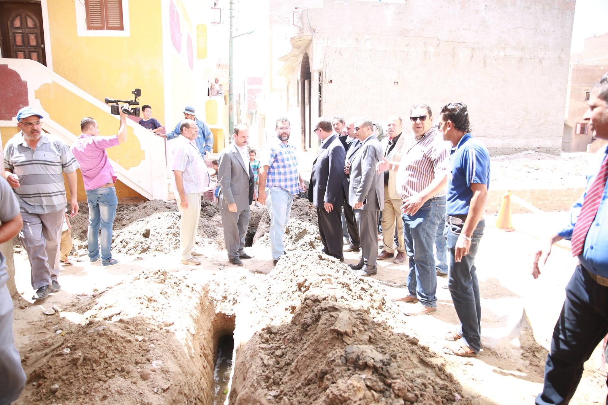 2- محافظ كفر الشيخ يتابع توصيل الغاز للمنازل