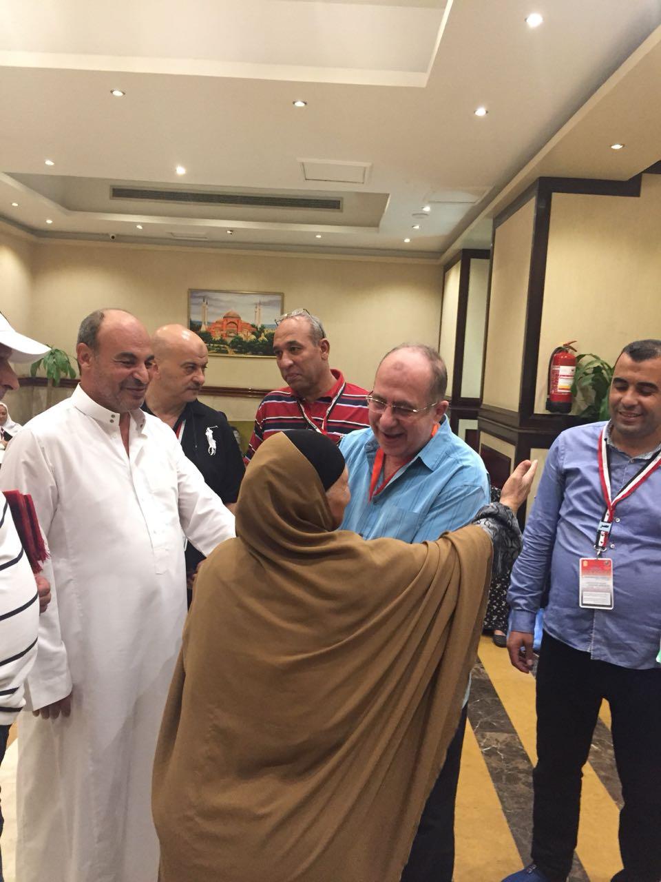 الرئيس التنفيذي لبعثة الحج يتفقد مقار اقامة الحجاج المصريين 2