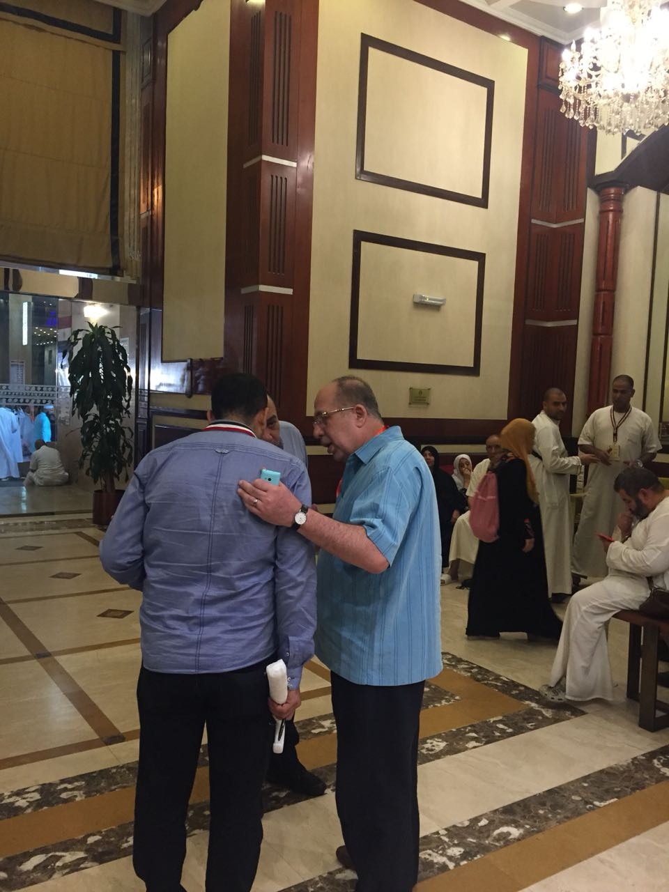 الرئيس التنفيذي لبعثة الحج يتفقد مقار اقامة الحجاج المصريين 3