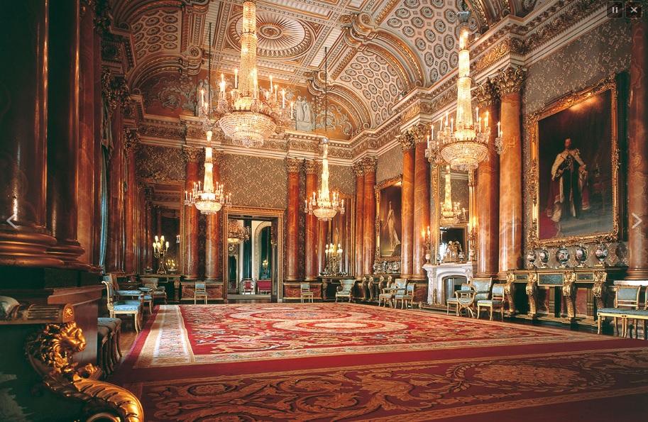 أحد قاعات قصر باكنجهام