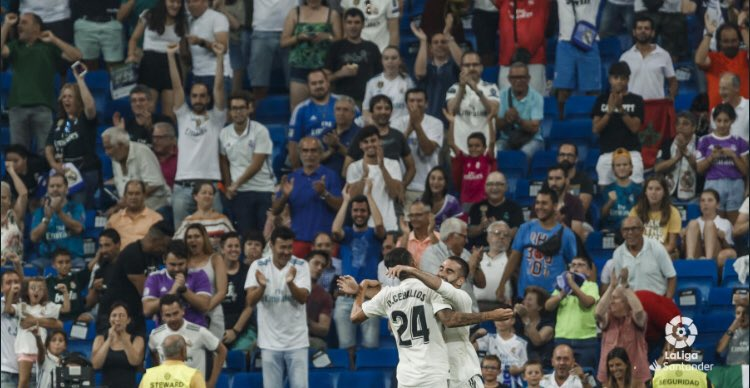 جماهير ريال مدريد تصفق لكارفخال