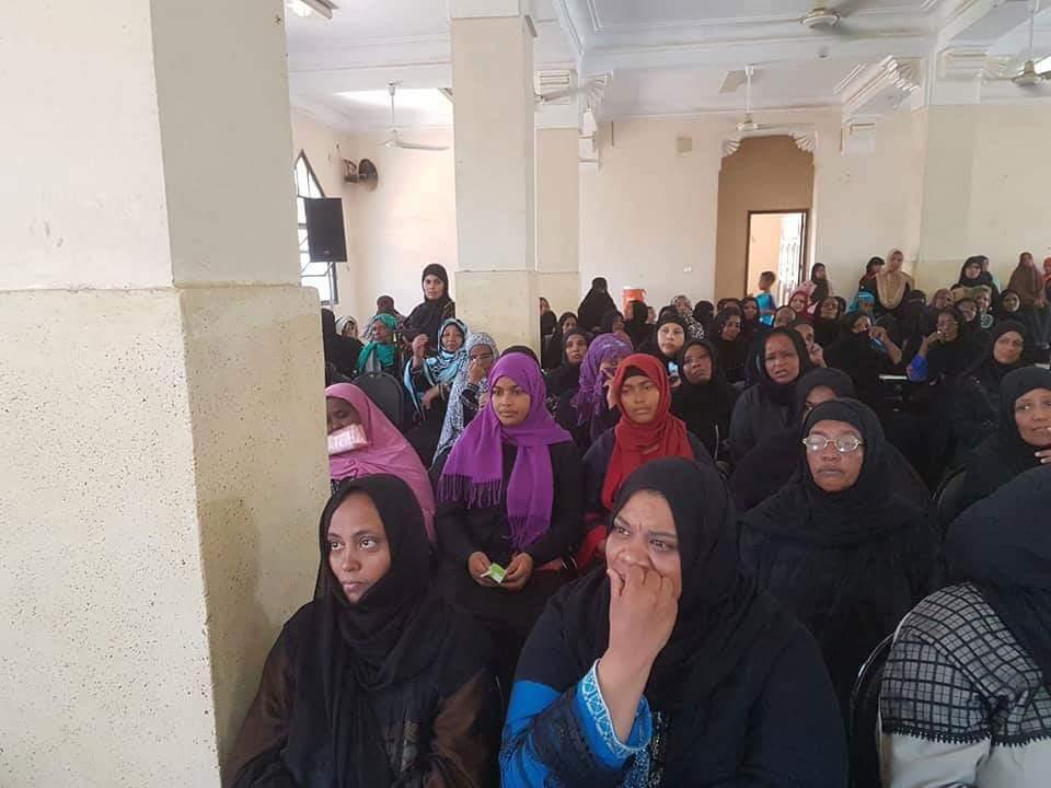 القومي للمرأة بأسوان يوزع 500 شهادة امان (2)