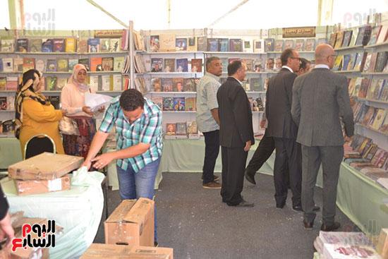 استعدادات-معرض-طنطا-للكتاب--(4)
