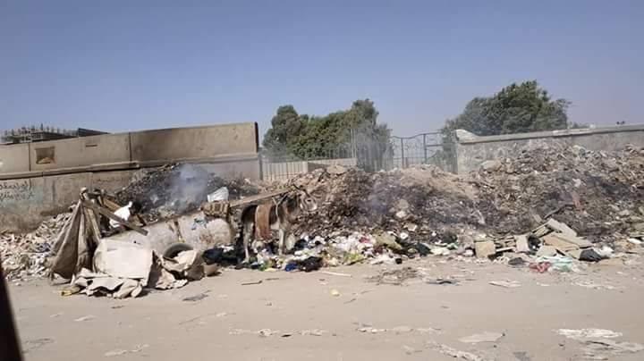 حرق القمامة فى جسر السويس   (1)