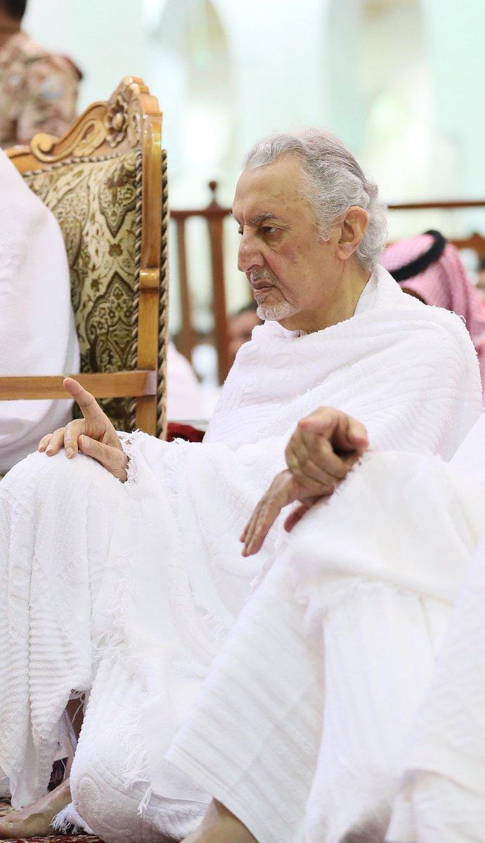 الأمير خالد بن فيصل يستمع لخطبة عرفة