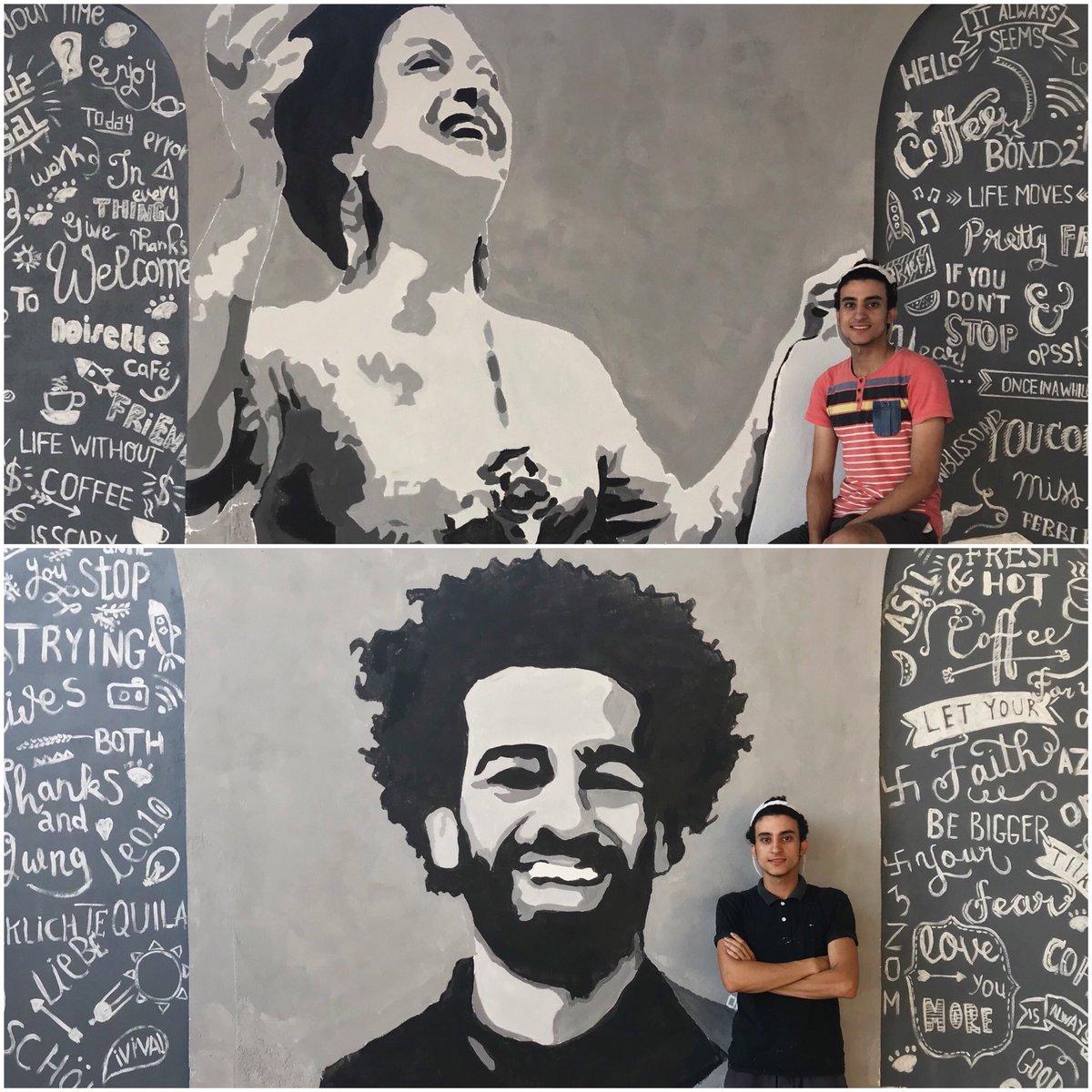 مصطفى مع جرافيتى أم كلثوم ومحمد صلاح