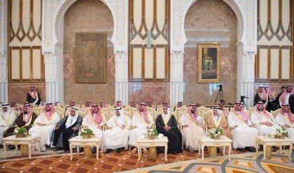 لقاء خادم الحرمين الشريفين بالأمراء والعسكريين