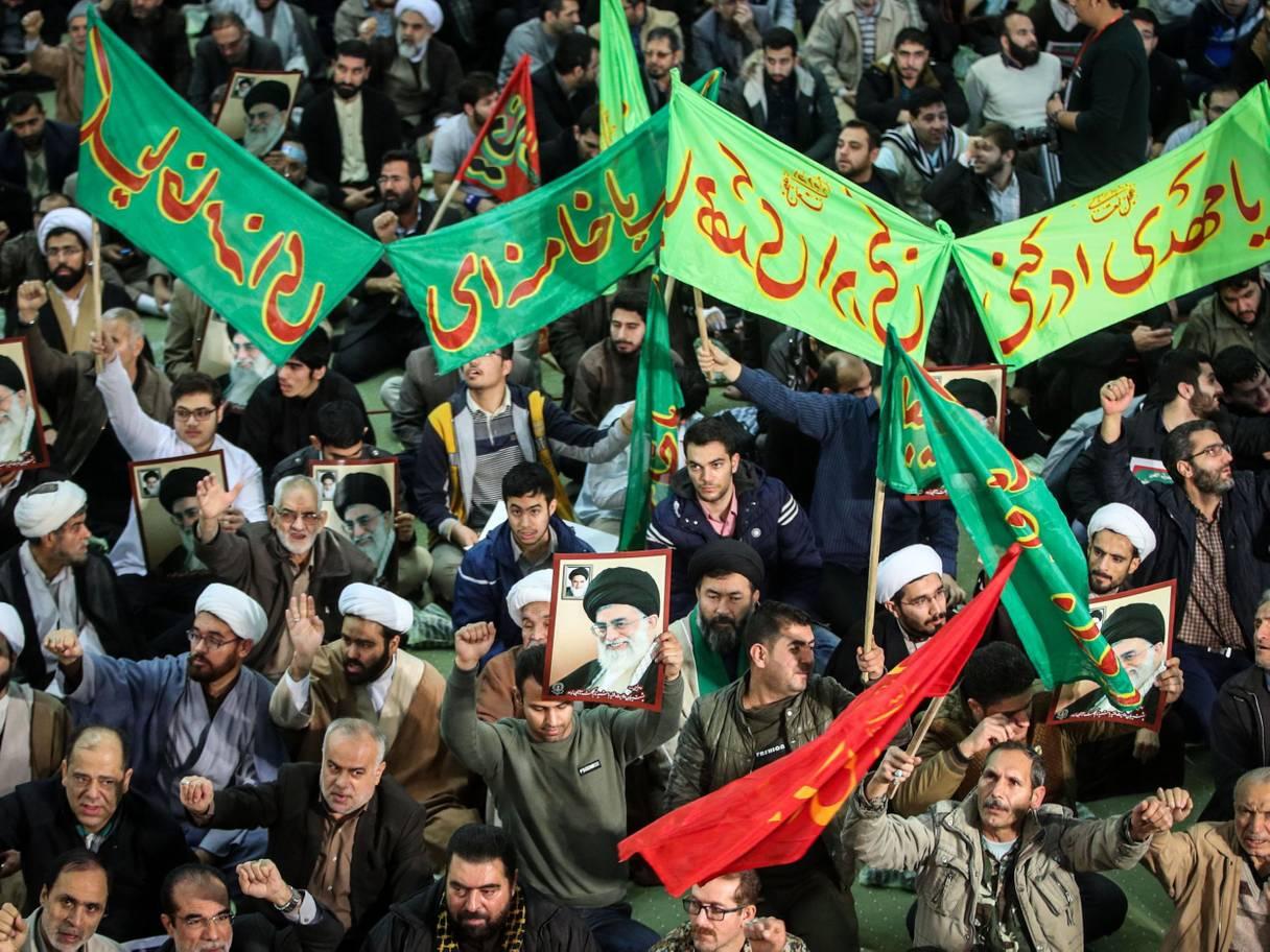 مظاهرات مؤيدة للنظام ينظمها الباسيج ورجال الحوزات