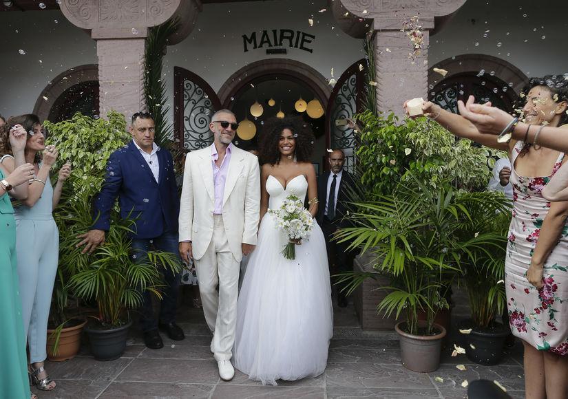 a956b38e3 أخر كلام | فانسون كاسيل يتزوج تينا كوناكى فى فرنسا.. اعرف مصمم فستانها