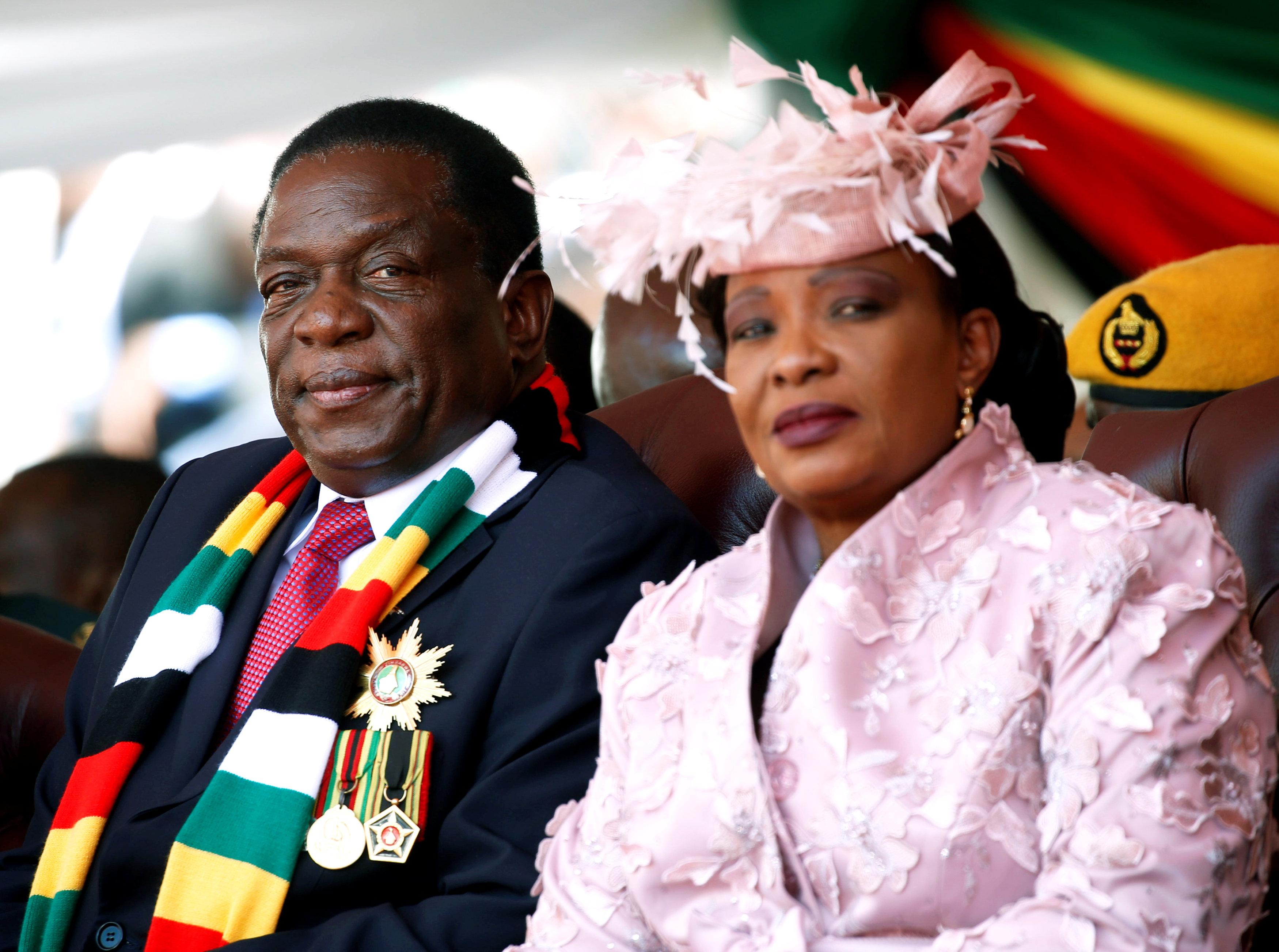 رئيس زيمبابوى وزوجته فى مراسم حفل التنصيب