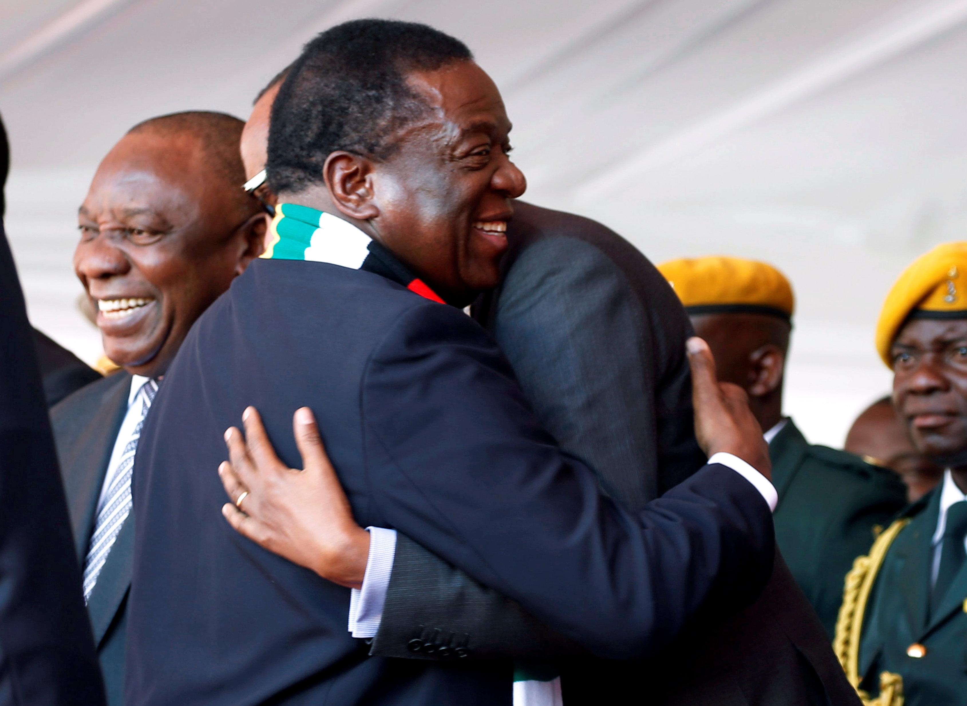 رئيس زيمبابوى يحيى رئيس رواندا