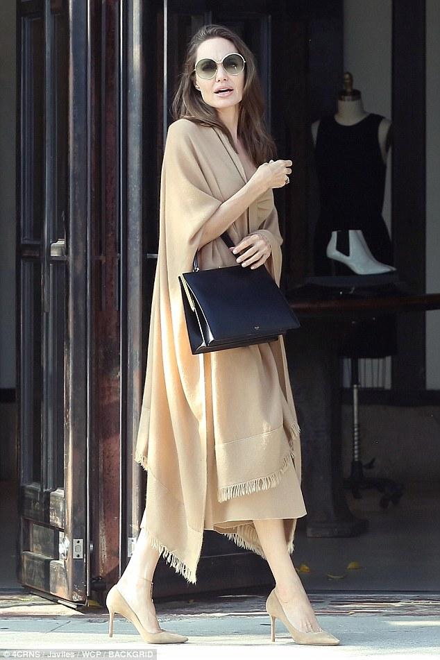 انجلينا جولي  (2)