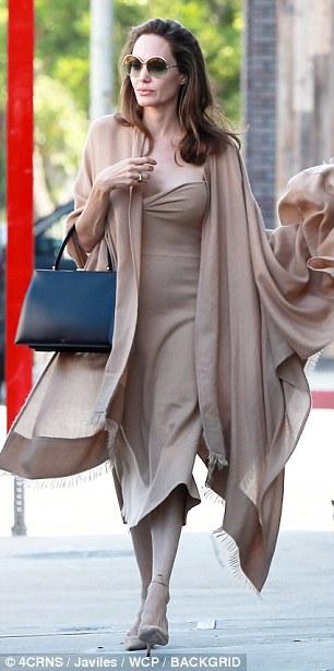 انجلينا جولي  (1)