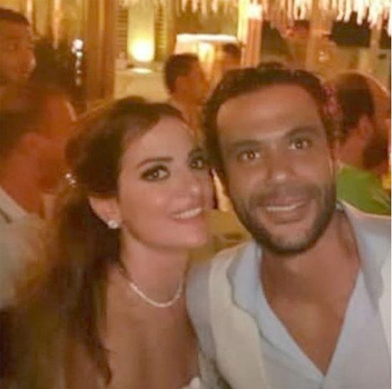 محمد-إمام-وزوجته