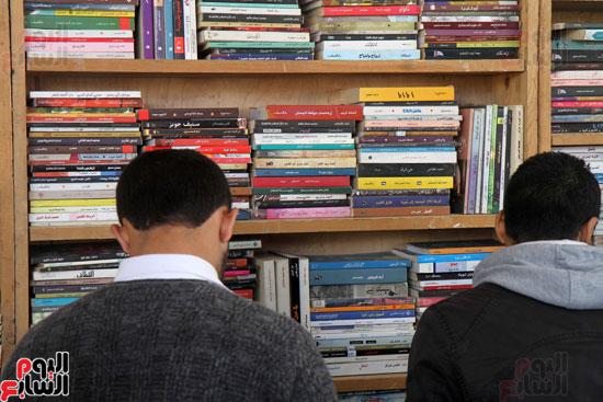 سور الأزبكية فى معرض القاهرة الدولى للكتاب (8)