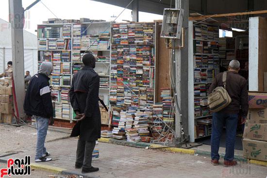 سور الأزبكية فى معرض القاهرة الدولى للكتاب (9)