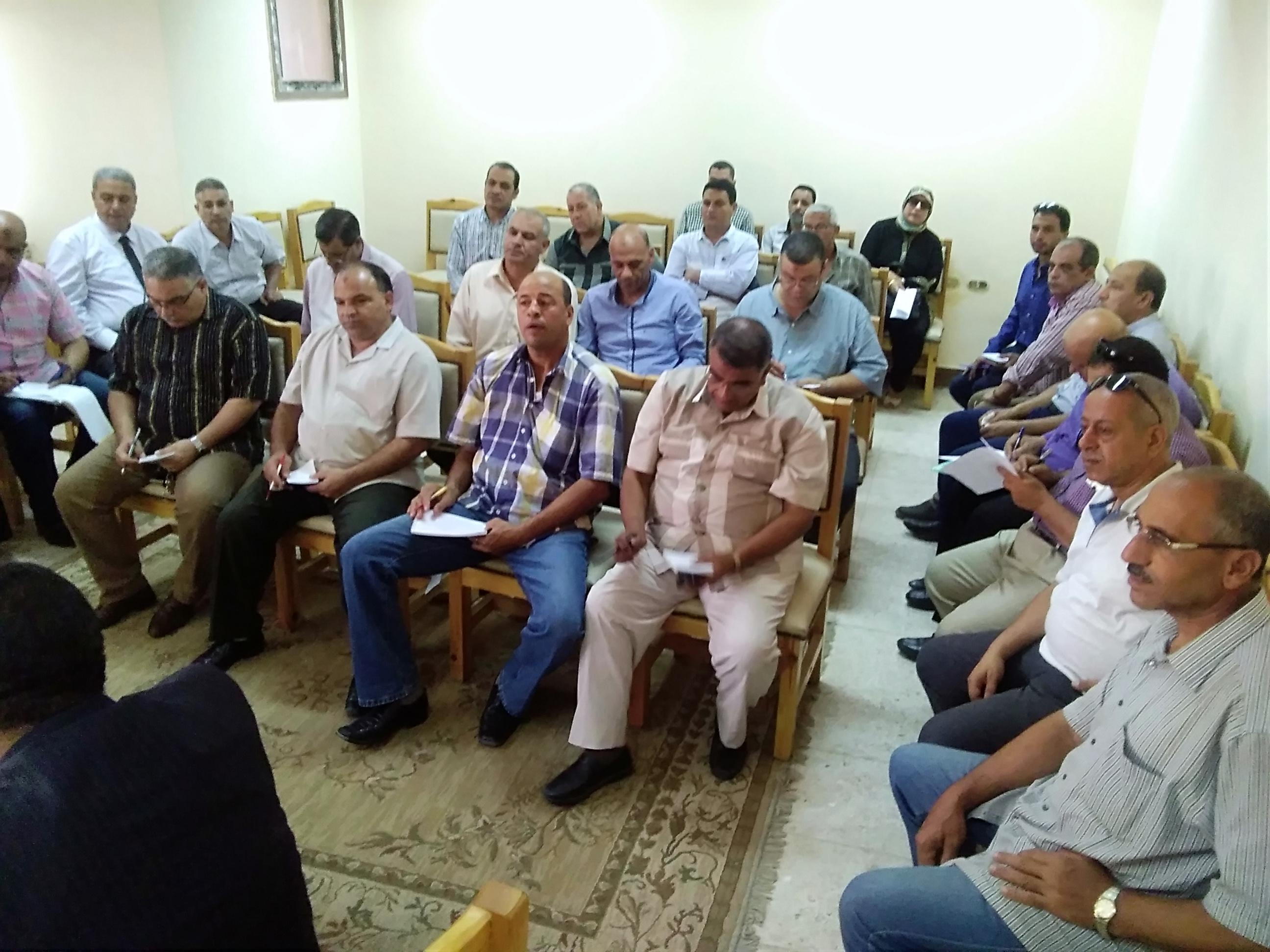 2- الحضور من مديري الادارات التعليمية
