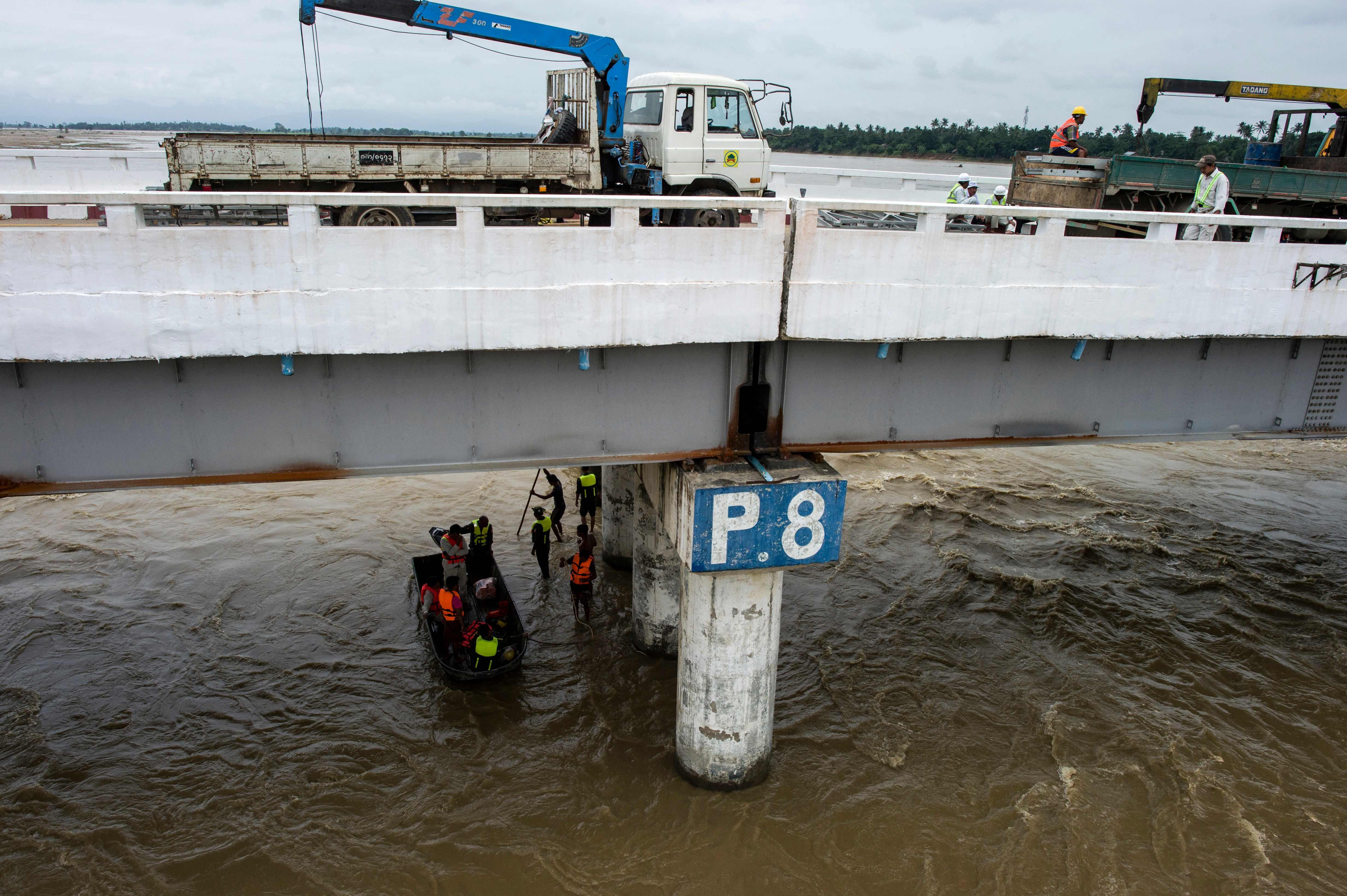 عمليات اصلاح السد متواصلة
